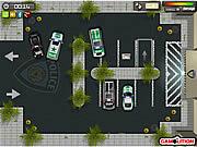 警察署の駐車場